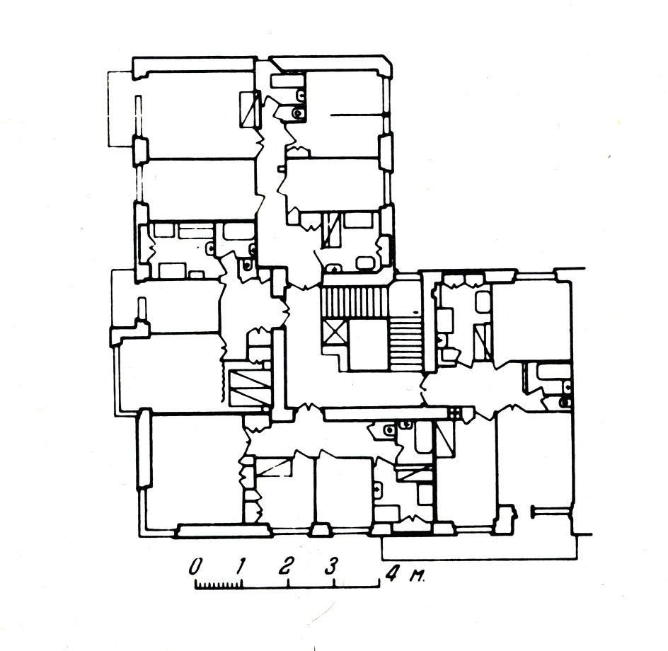 Gosstrakh apartment block moscow 1926 plan of first for Apartment block floor plans