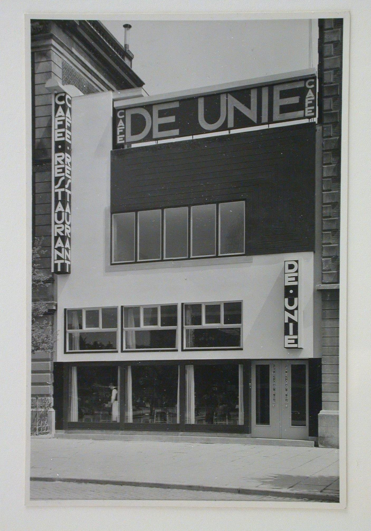 Populair JJP Oud, View of the principal façade of Café de Unie, Rotterdam @VR91