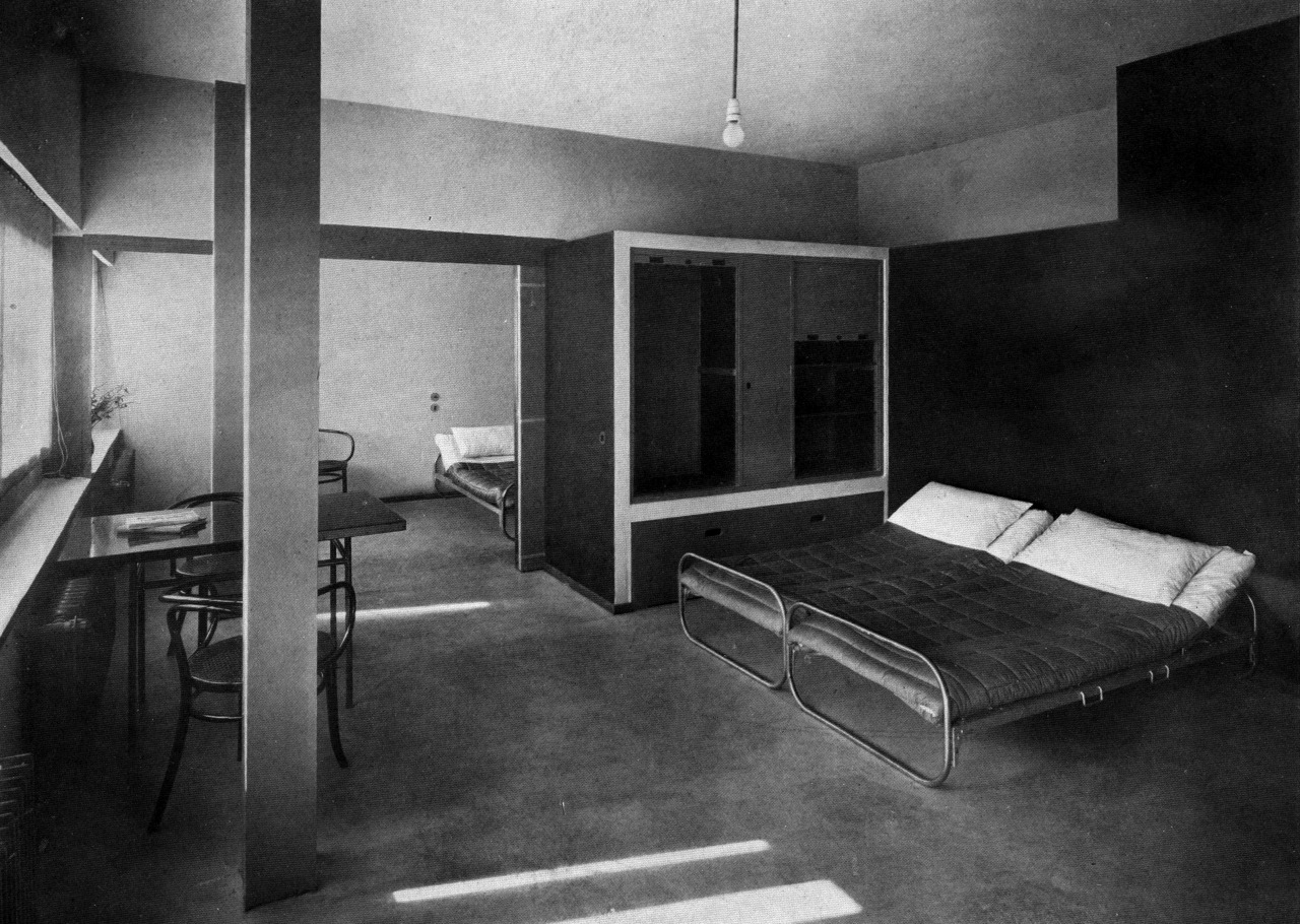 le corbusier double house bedroom weissenhofsiedlung. Black Bedroom Furniture Sets. Home Design Ideas
